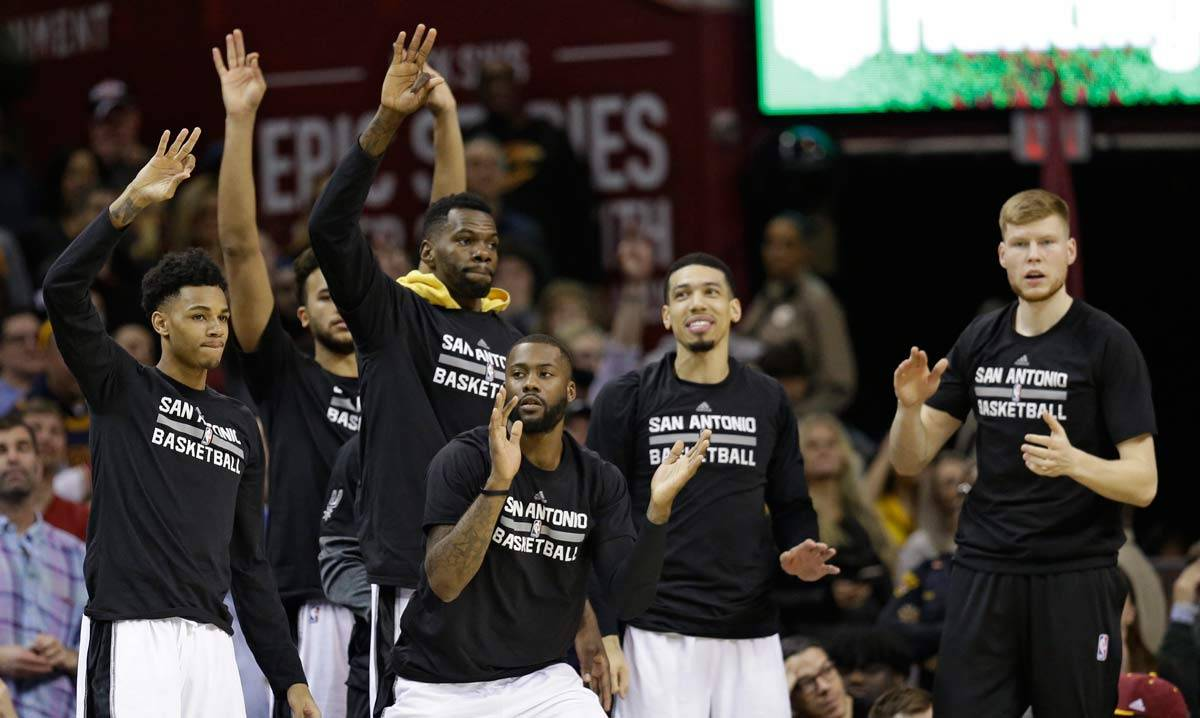 Spurs-Cavaliers-Baske-NH