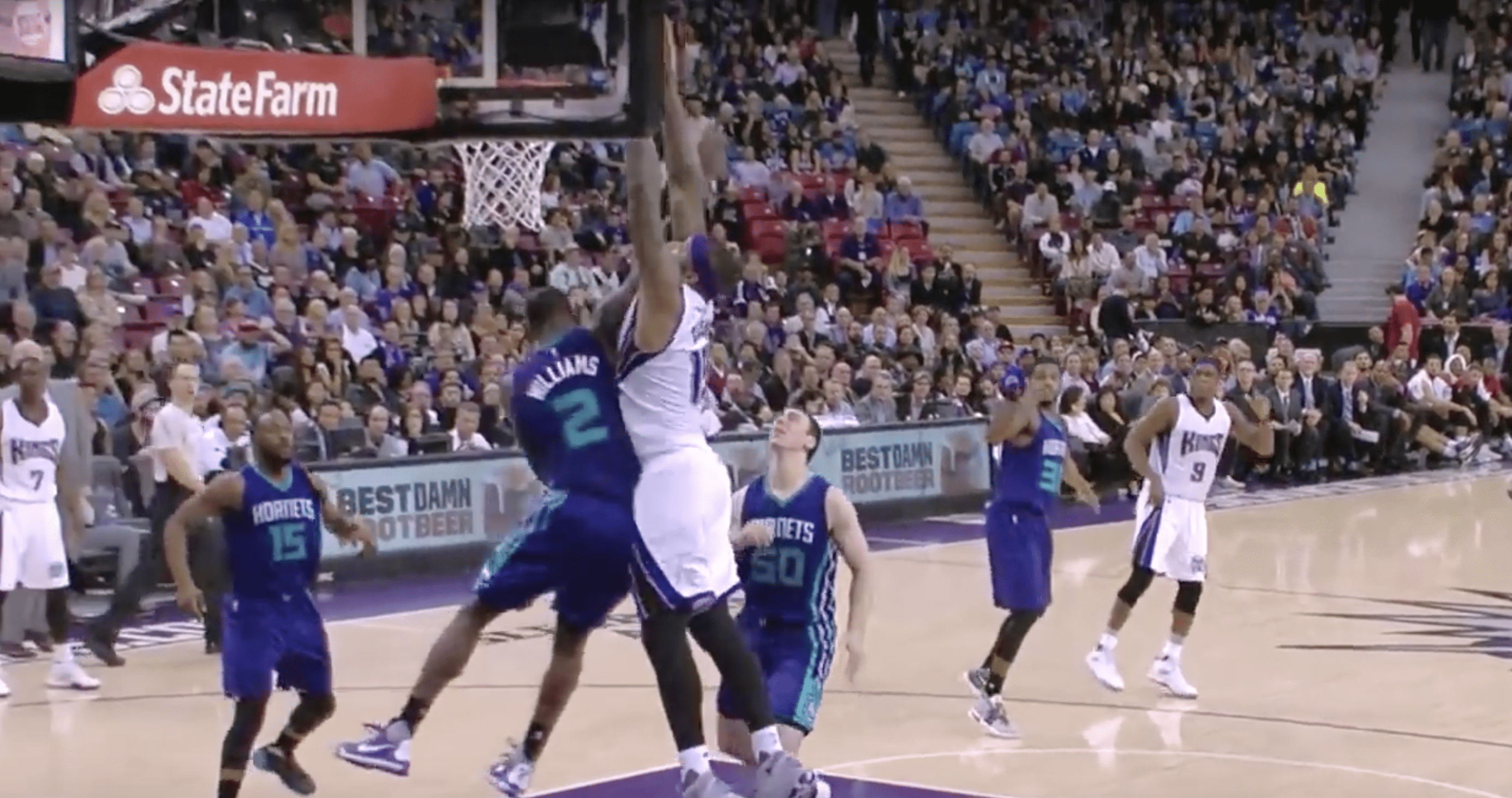 Demarcus Cousins posterizes Marvin Williams